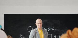 Jak wybrać odpowiednią szkołę językową dla dziecka